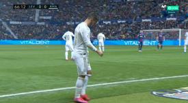 Hazard sai mancando e dispara os alarmes para a Champions. Captura/MovistarLaLiga