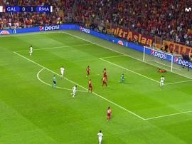 Hazard dribble le gardien et frappe sur la barre ! Capture/MovistarLigadeCampeones