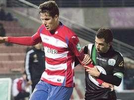 Héctor Yuste, en un partido con el Granada. Twitter
