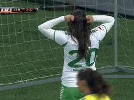 Helen Eke, tras meter gol en propia puerta. Twitter