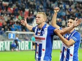 Henk Veerman celebra uno de sus dos goles al De Graafschap en la Copa de Holanda, en un partido que el Heerenveen ganó en la prórroga. SC-Heerenveen