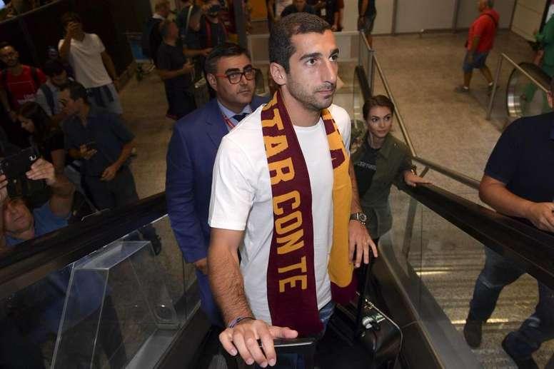 Mkhitaryan llegó cedido del Arsenal a la Roma. Twitter/ASRomaEN