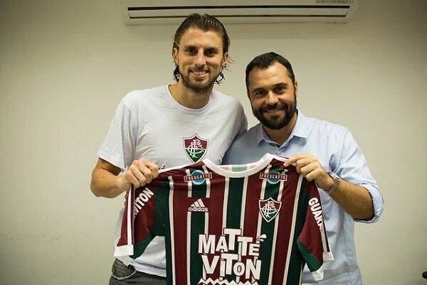 Henrique sigue sin encontrar el éxito. Fluminense