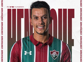 Ex-volante do Cruzeiro, Henrique acertou com o Fluminense. Twitter Fluminense