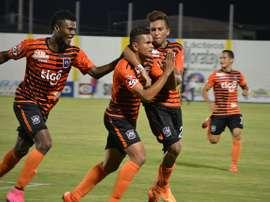 Águila y Juventud Independiente se mantienen líderes una jornada más. Twitter