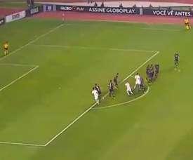 Hernanes anotó el primer gol del partido ante Ponte Preta. Captura
