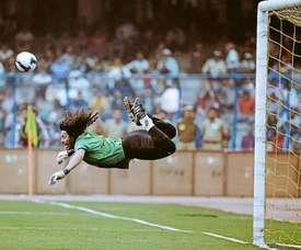 Scorpion kick goalkeeper Higuita joins Atletico Nacional. Twitter