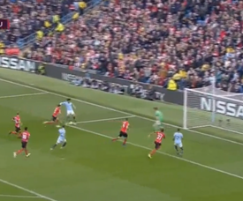 Hoedt own goal gave City the lead against Southampton. Captura/SportTV1