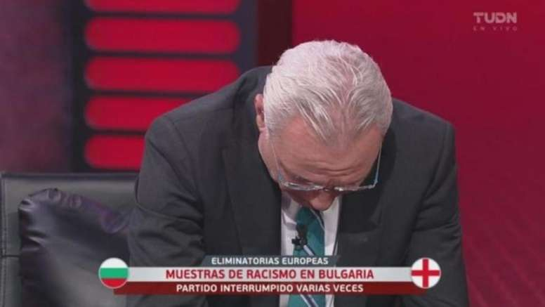 Stoichkov broke down while on TV talking about the racism in the Bulgaria game. Captura/TDN