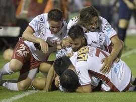 Huracán celebra uno de los goles que le dio el pase a la final de la Copa Sudamericana. Twitter.