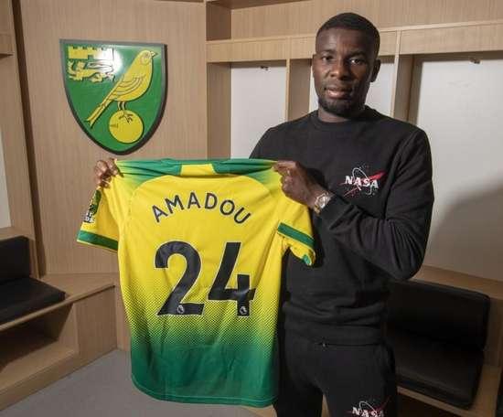 Amadou parle de son retour à Séville. Twitter/NorwichCityFC