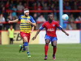 Idris Kanu levanta el interés de varios equipos. AldershootTown