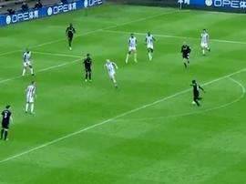 Idrissa Gueye made it 0-2 to Everton against Huddersfield. Twitter/dixiesix