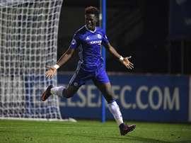 Ike Ugbo, sera le prochain joueur prêté. Twitter/Chelsea