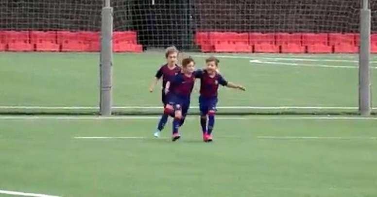 Filho de Messi já marca com a camisa do Barcelona. Captura/Ole
