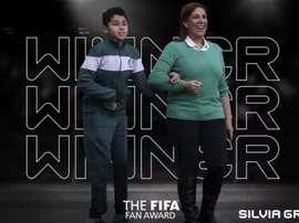 Silvia Grecco ganha prêmio The Best. Twitter/fifacom_es