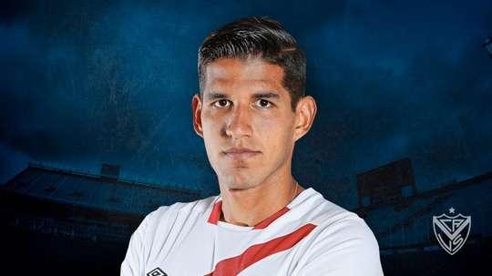 Vélez ha reforzado su defensa con un internacional peruano. VelezSarsfield