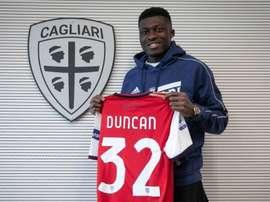 Duncan in prestito al Cagliari. Twitter/CagliariCalcio