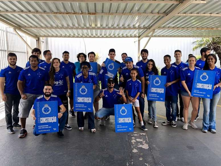 Locura en Cruzeiro para recibir al boliviano Marcelo Martins. Cruzeiro