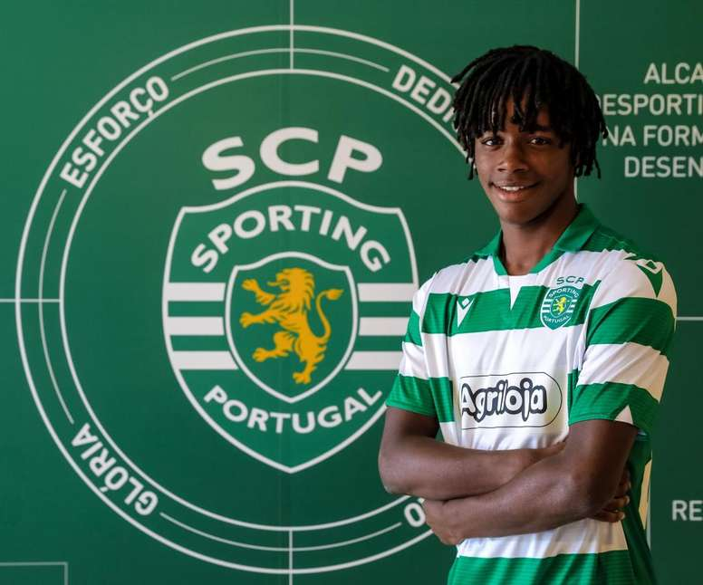 André Gonçalves tendrá ficha profesional con el Sporting. Twitter/Sporting_CP