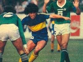 Diego Armando Maradona em campo com o Boca Juniors. EFE