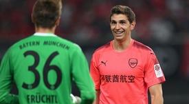 El emotivo adiós de Emiliano Martínez al Arsenal. AFP