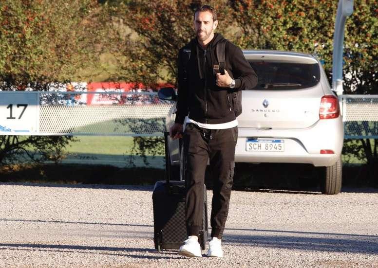 Godín, casi descartado para el estreno liguero del Inter. Twitter/Uruguay