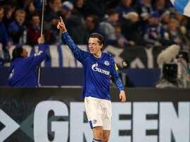 Todibo se queda con las ganas y el Schalke 04, con el triunfo. Schalke04