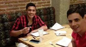 Imagen de redes sociales de Teo Gutiérrez y su amigo. Instagram