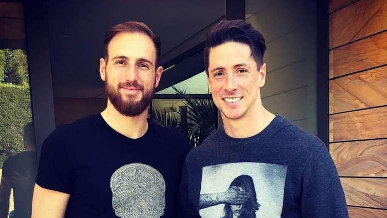 Torres parabenizou Oblak por seu recorde. Twitter/Torres