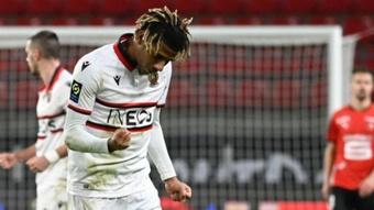Todibo quiere continuar en el Niza. AFP/Damien Meyer