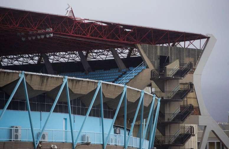 El desmantelamiento de la cubierta de Balaídos afectó a un Celta-Real Madrid en 2017. AFP