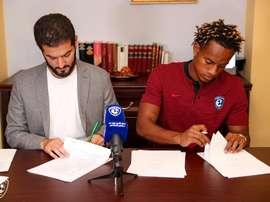 André Carrilo é oficialmente jogador do Al Hilal. Twitter/Alhilal_FC