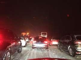 Las imágenes de la AP-6 paralizada por la nieve inundaron las redes sociales. Twitter