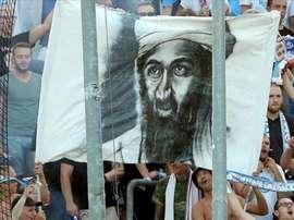 Imagen de la pancarta de Bin Laden que exhibió la afición del Hansa Rostock ante el Aalen. Twitter