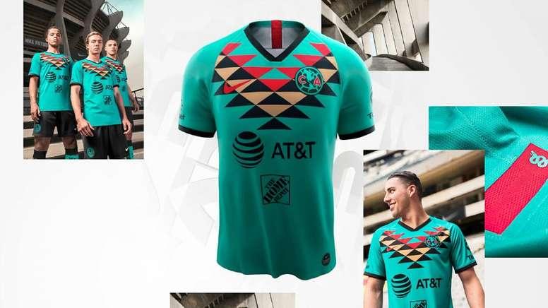 El América presentó su tercera indumentaria para el Clausura. ClubAmérica