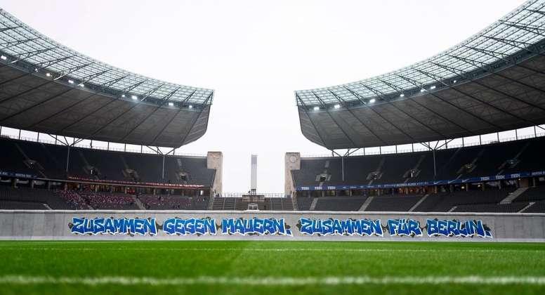 Linda homenagem da Bundesliga. EFE