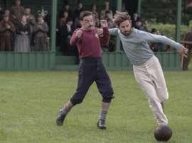 La serie 'Juego de Caballeros' y una rivalidad más allá del fútbol. Netflix