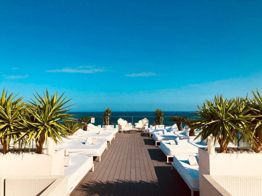 Macrofiesta sexual en el hotel de Messi en Ibiza