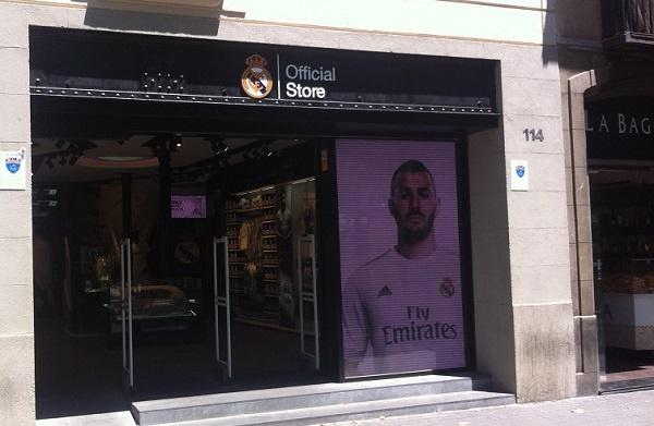 d0969293ea4eb El Madrid abre una nueva tienda oficial... ¡en Barcelona! - BeSoccer