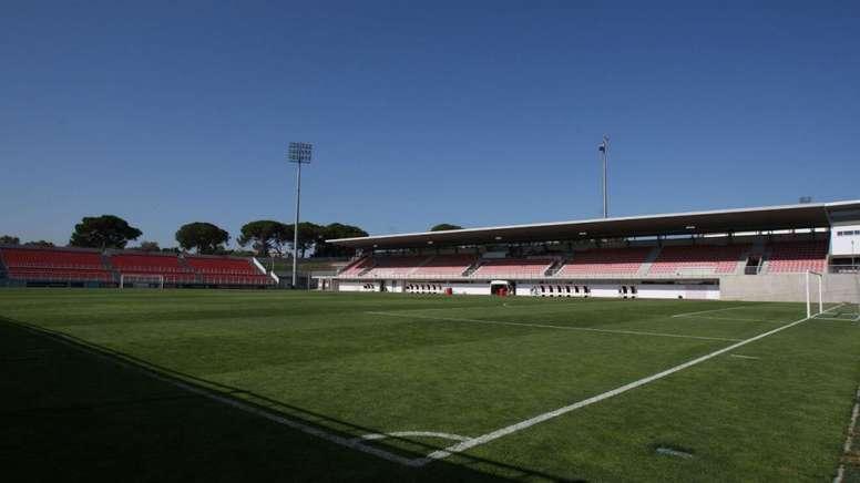 El Benfica presta sus instalaciones a los jóvenes tailandeses. SLBenfica