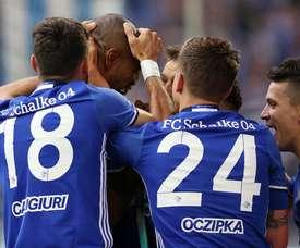 Schalke 04 soma e segue na Bundesliga. Twitter/S04