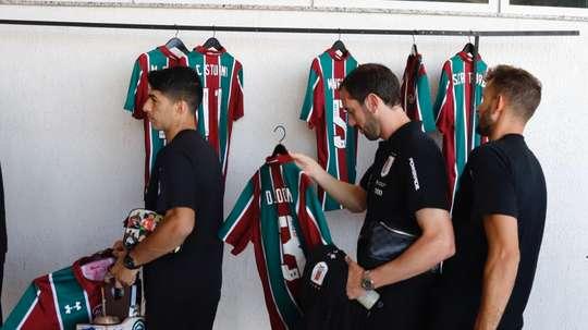 Fluminense offre ses maillots à l'Uruguay. Uruguay