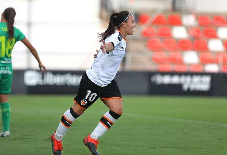 Se marcha siendo la máxima goleadora histórica del club con 132 goles. Captura/VCF_Femenino