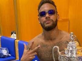 'Neymar 007' lució trofeo en sus redes: el 23 de su carrera. Instagram/NeymarJr