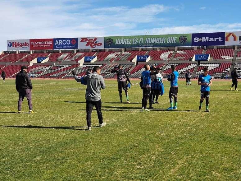 Suspenden un año a un jugador en México por agredir a un árbitro. JuárezFC