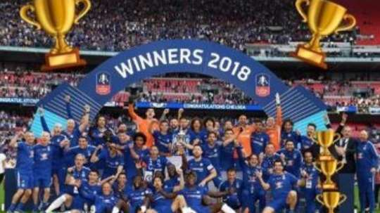 Willian removed Conte from his celebratory picture. WillianBorges