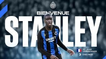 Stanley N'Soki será jugador del Brujas hasta 2025. Twitter/ClubBrugge