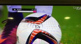 Uno de los balones del Zurich usados en la Europa League, con la marca distintiva 'FCZ'. beINSports