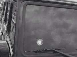 Estos son los balazos que ha recibido Topal en su coche. Twitter